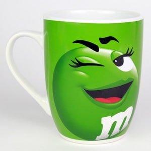Tasse - mug verte de la marque M&M'S en céramique émaillée